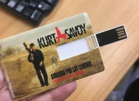 Pendrive Kurt Savoy Andando por los caminos